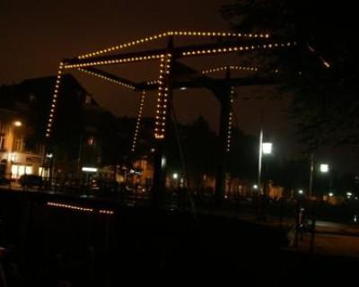 LED-verlichting op boombrug Handelskade 's-Hertogenbosch voor nostalgische effecten